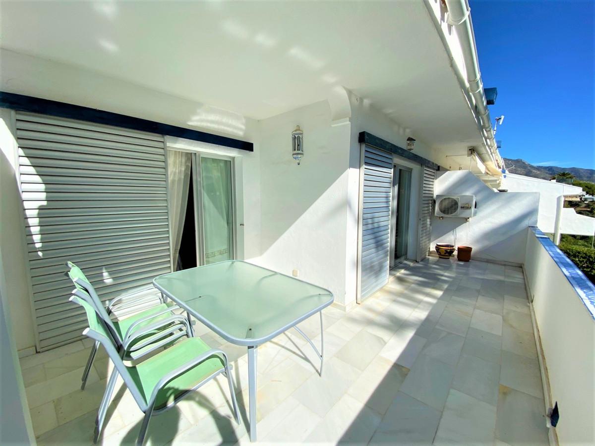 Top Floor Apartment, Aloha, Costa del Sol. 2 Bedrooms, 2 Bathrooms, Built 90 m², Terrace 45 m².  Set,Spain