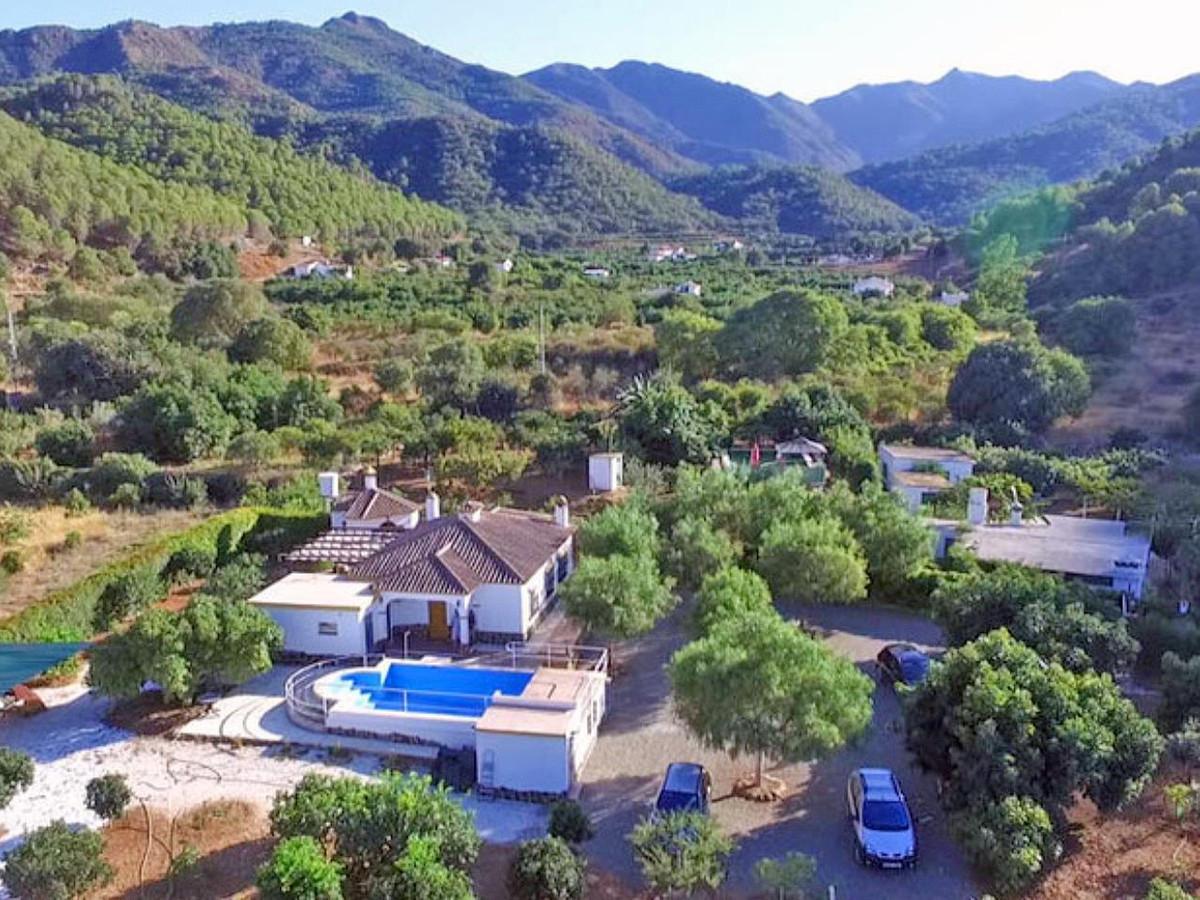 Finca for sale in Coín
