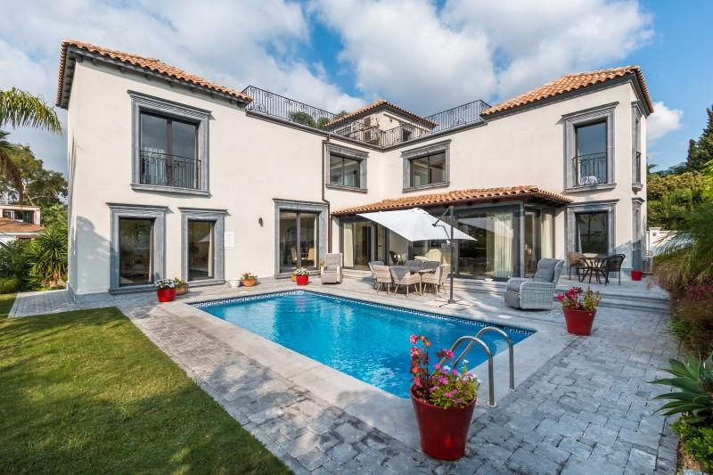 Villa - Chalet en venta en Nueva Andalucía R3377551