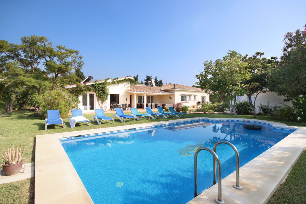 Villa  Detached for sale   in Benamara