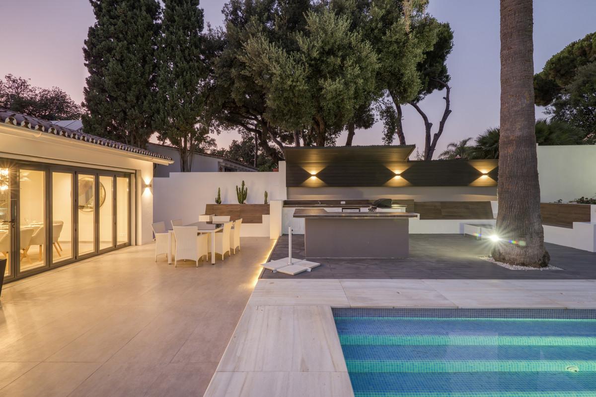 Freistehende Villa in El Rosario R3509377