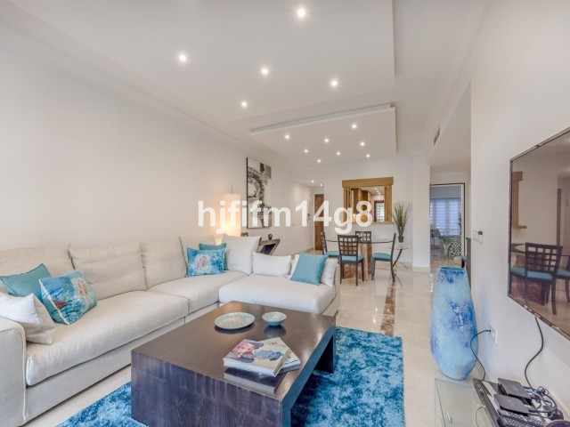 Apartment Middle Floor San Pedro de Alcántara Málaga Costa del Sol R3307075 8