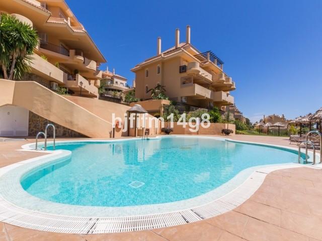 Middle Floor Apartment in Nueva Andalucia
