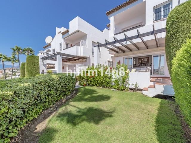 Reihenhaus Stadthaus in Nueva Andalucía R3188515