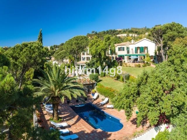 Fritliggende Villa i El Madroñal R3433636