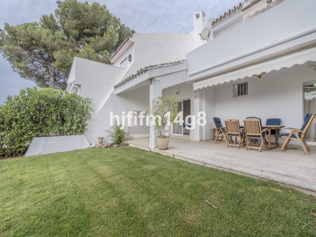 Rækkehus i Nueva Andalucía R2093957