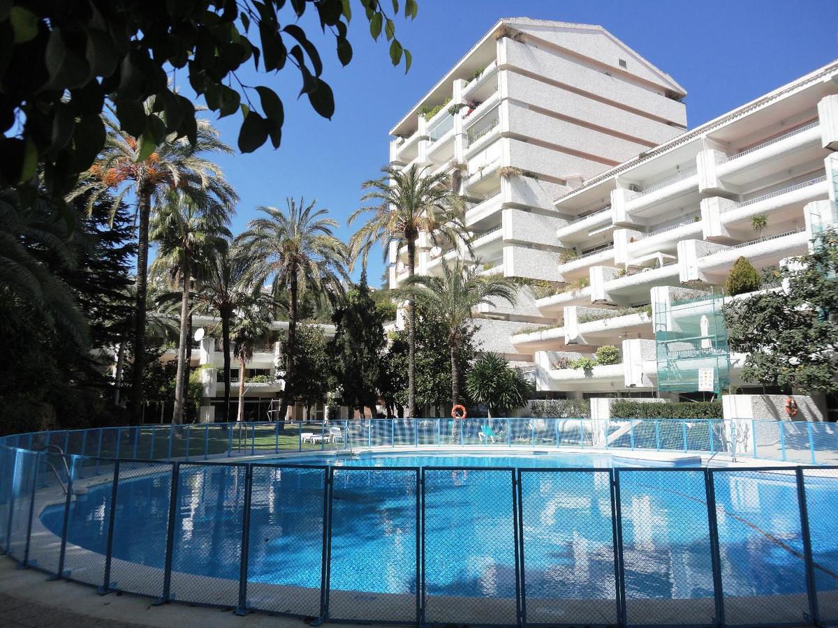 Lägenhet på mellanplan i Marbella R3195505