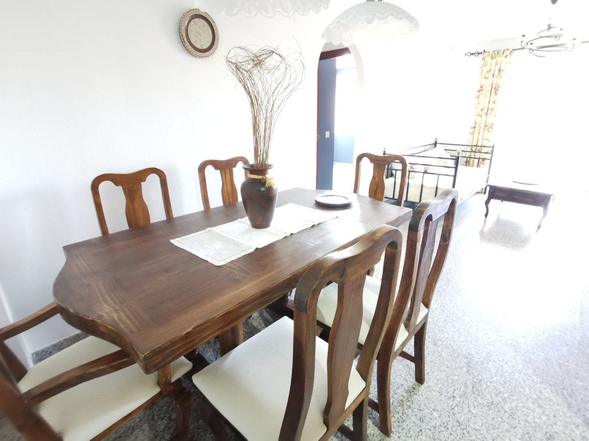Very spacious apartment, it is located near the Cortes Ingles, Mercadona, and Dani, there is also a ,Spain