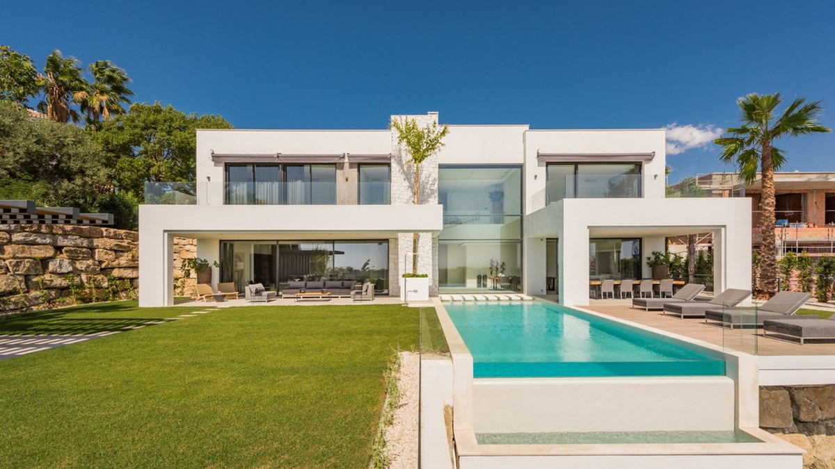 Villa Til salgs i Benahavís R3946024