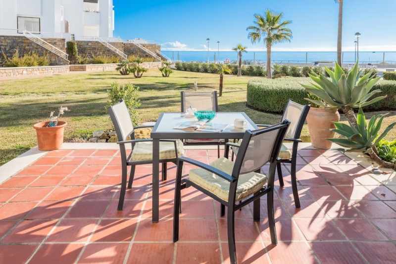 Front Line Townhouse on the beachfront with panoramic sea views. Walk directly from your living room,Spain