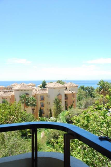 Lovely studio in the high demand area of Elviria. Bright, with built in beds and fully equipped kitc,Spain