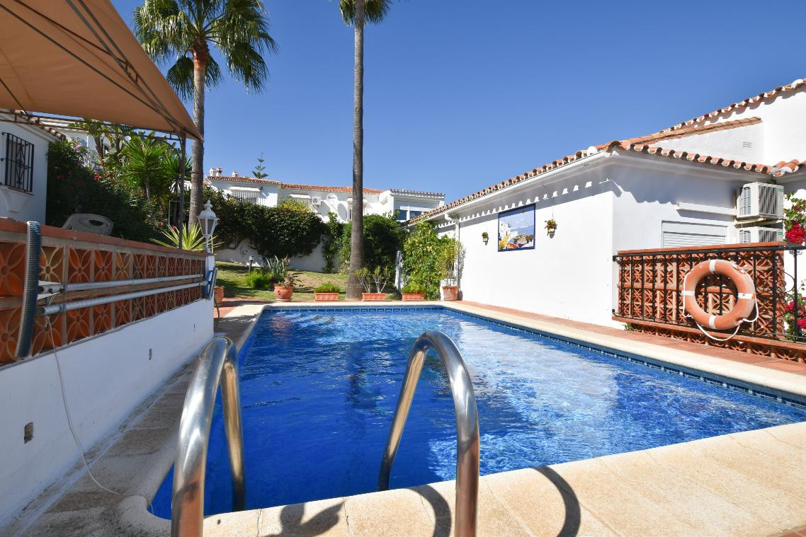 Villa 3 Dormitorios en Venta Manilva