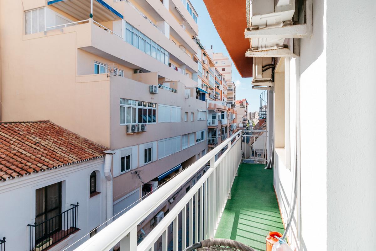 3 Bedroom Middle Floor Apartment For Sale Fuengirola