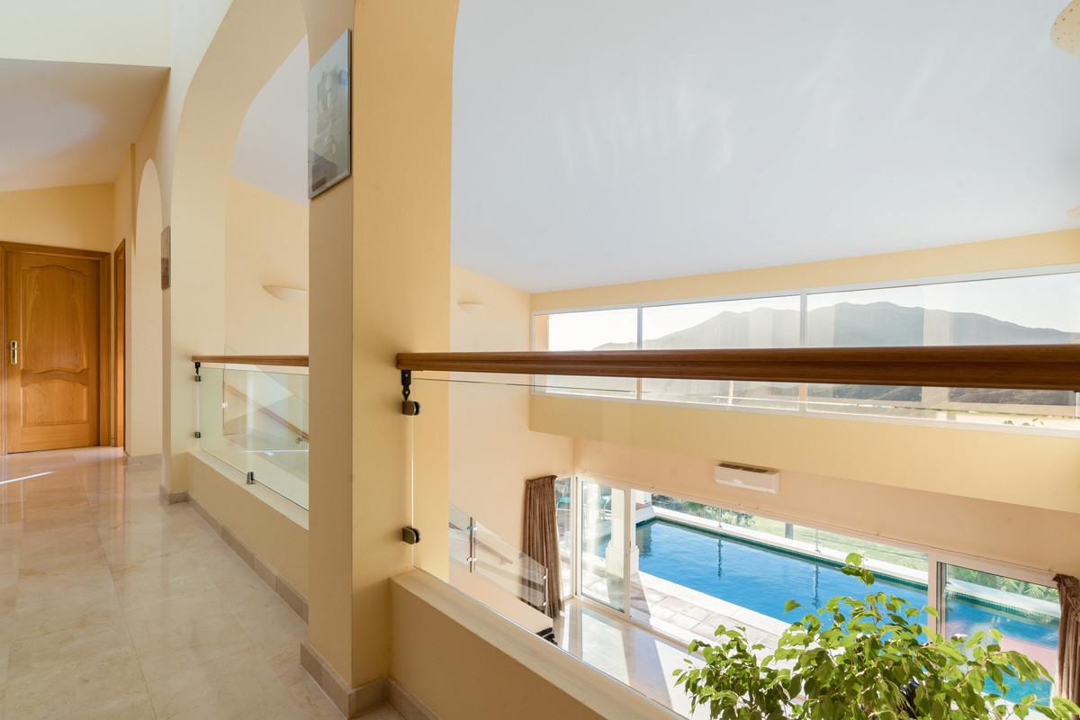 House in Alhaurin Golf R3784765 20