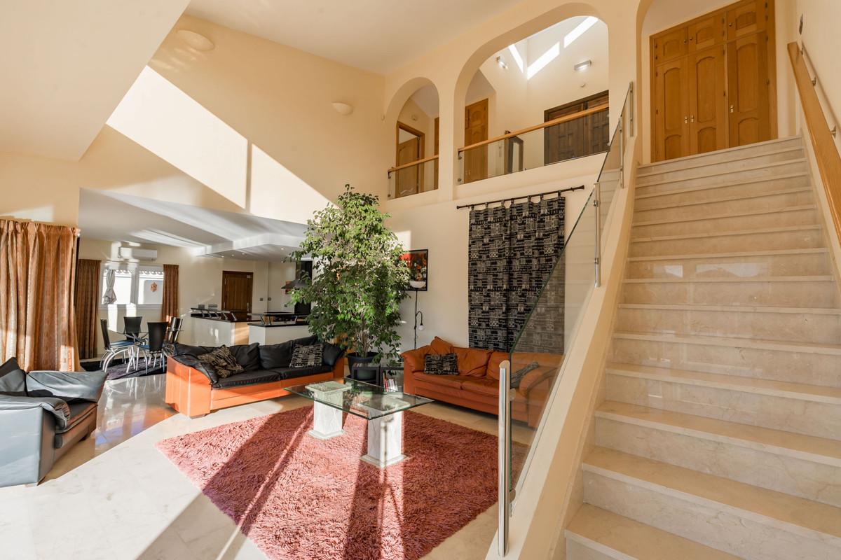 House in Alhaurin Golf R3784765 4