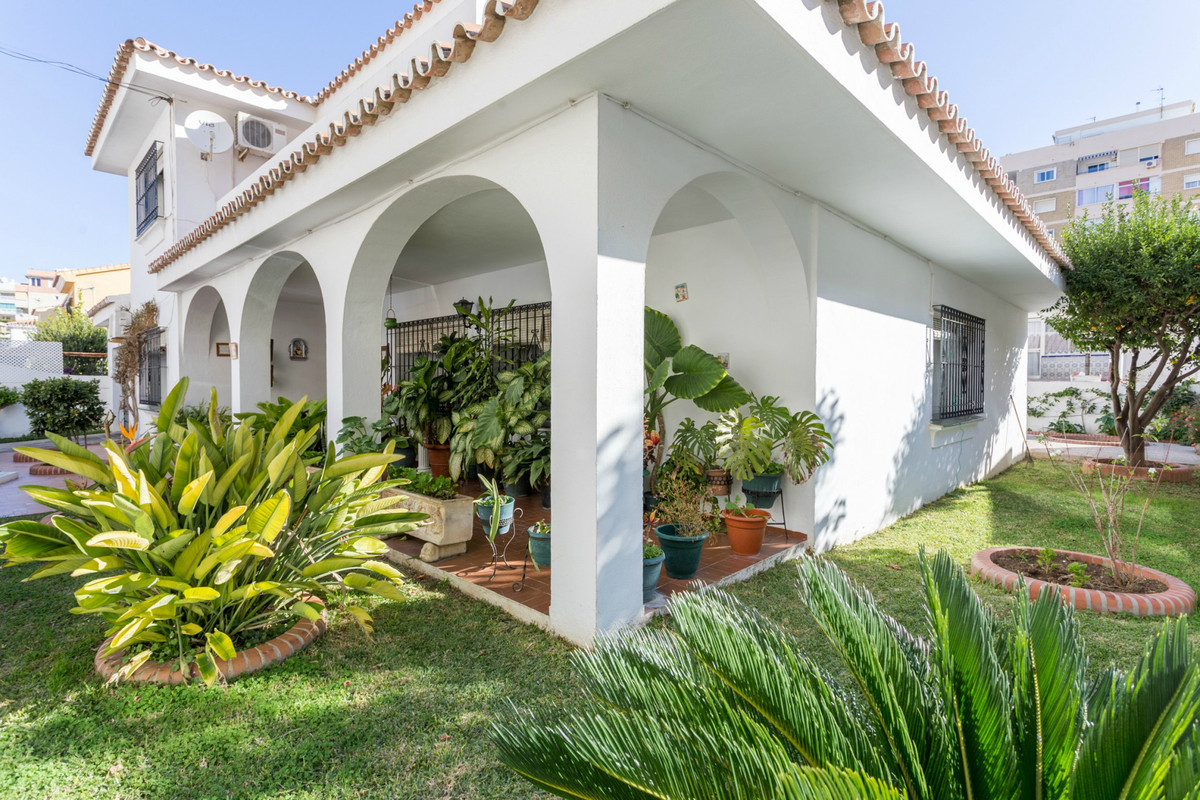 Great opportunity of a big and detached house in the centre of Fuengirola, Los Boliches!  Walking di,Spain