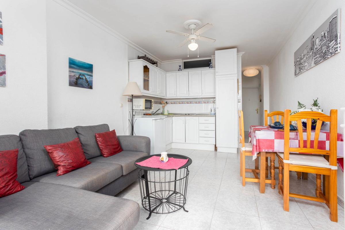 1 Bedroom Middle Floor Apartment For Sale Fuengirola
