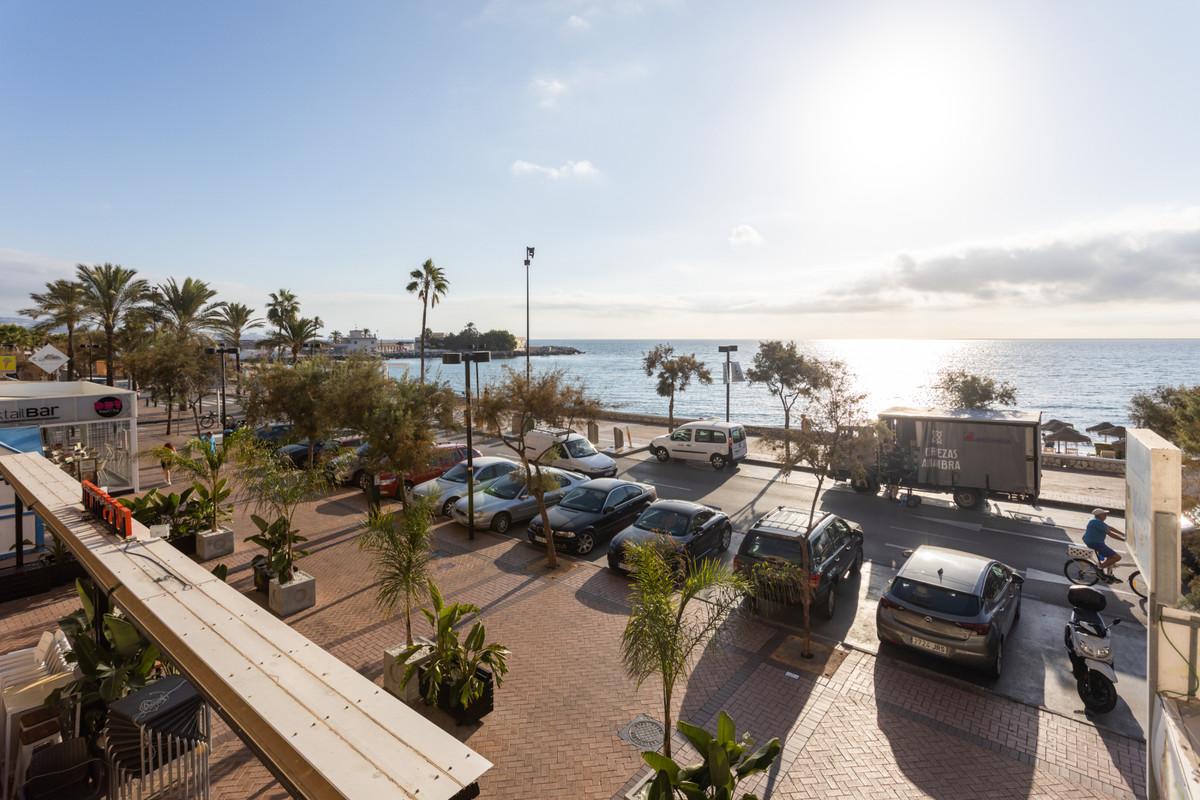 Apartamento Planta Media a la venta en Fuengirola
