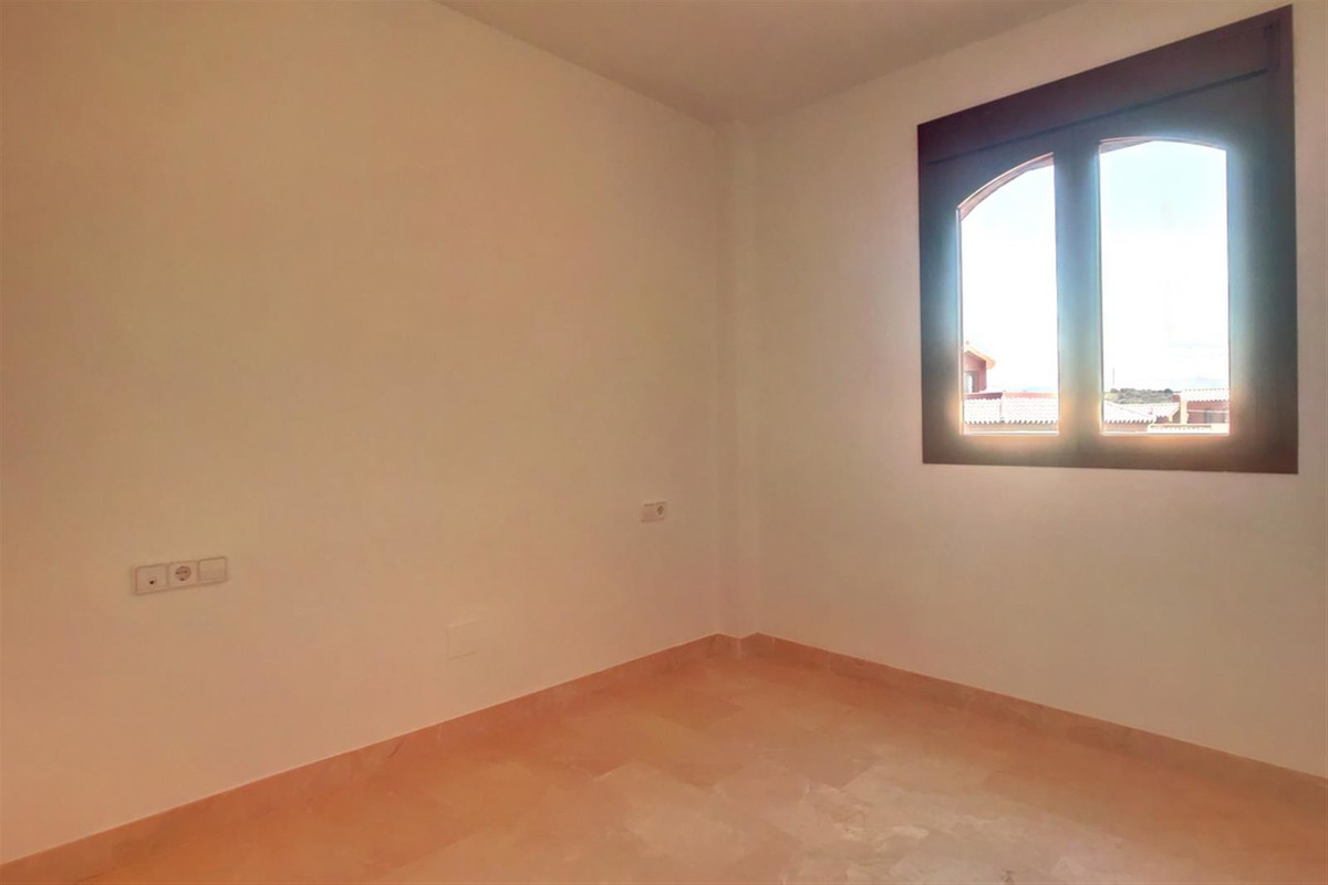 Apartamento con 4 Dormitorios en Venta Estepona