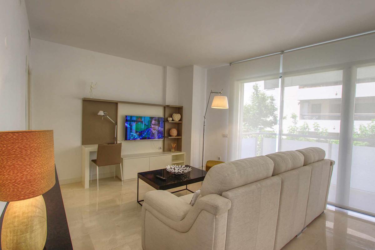 Apartamento  Planta Media en alquiler  en Marbella