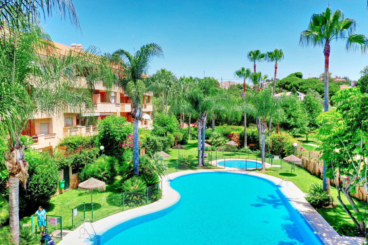 Beautiful duplex penthouse apartment located in a luxurious Residential Community with large gardens,Spain