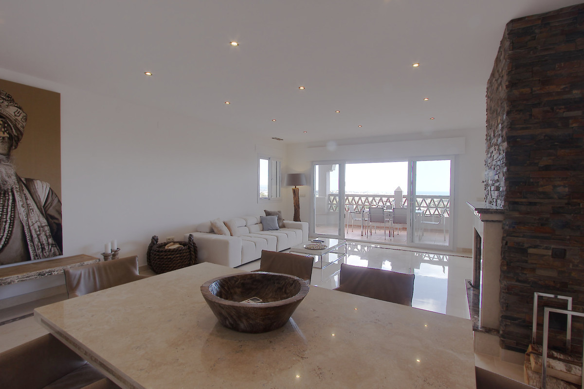 Apartamento con 3 Dormitorios en Venta Los Almendros