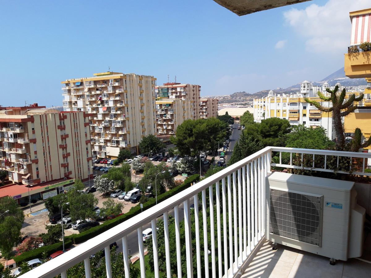 Nicely refurbished 2 bed, 2 bath, apartment in the Gamonal area of Arroyo de la Miel, Benalmadena Co,Spain