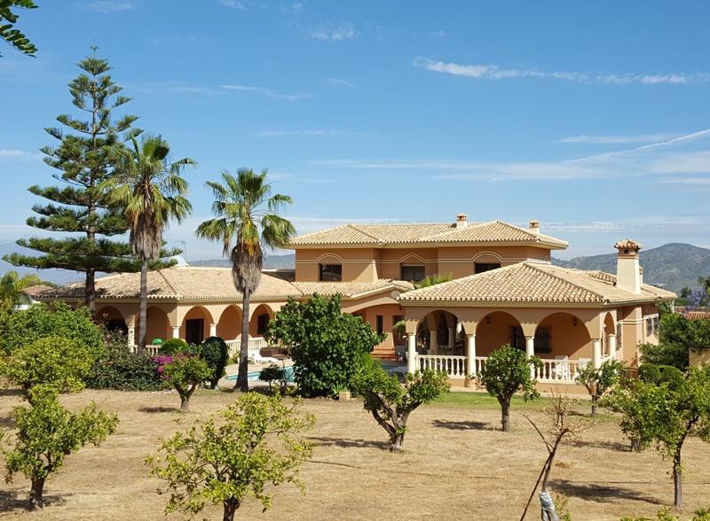 Hus in Alhaurín de la Torre R3212707 32