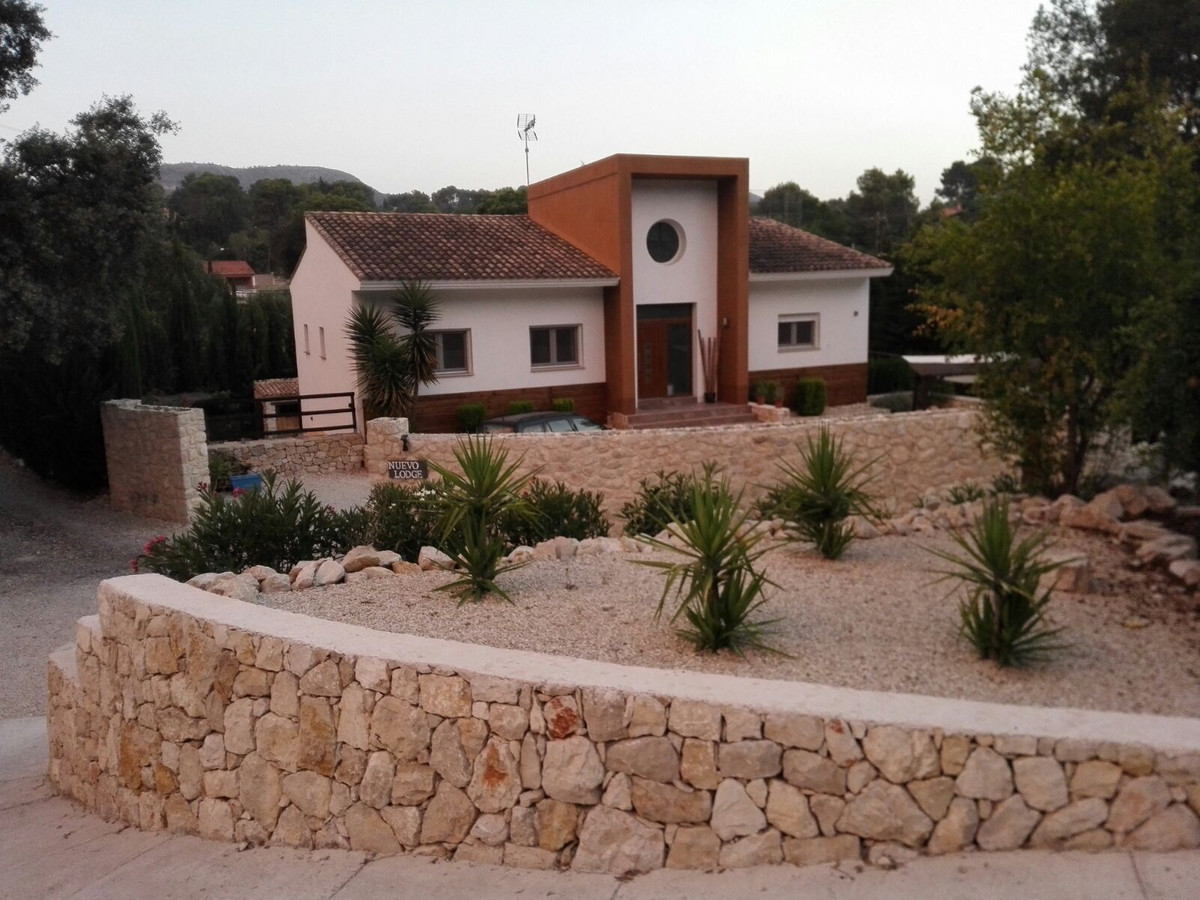 Welcome to this great opportunity to start your own business or to move with a big family to Spain. ,Spain