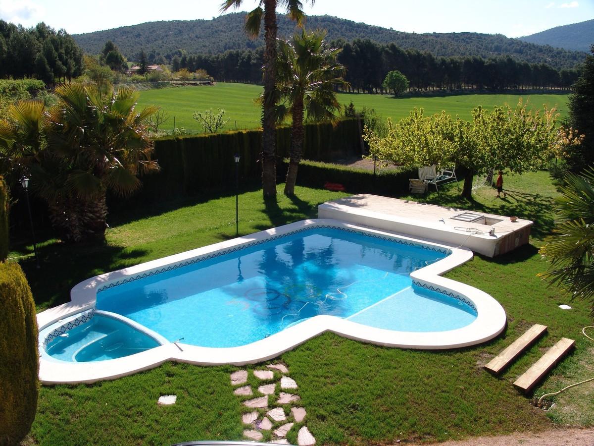 Impressive 6 bedroom country villa for sale near Alcoy, Alicante Province. A spacious property of 24,Spain