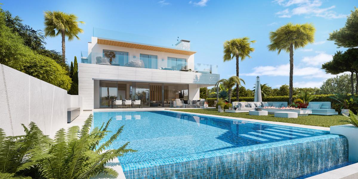 Villas in Nueva Andalucía R3393238
