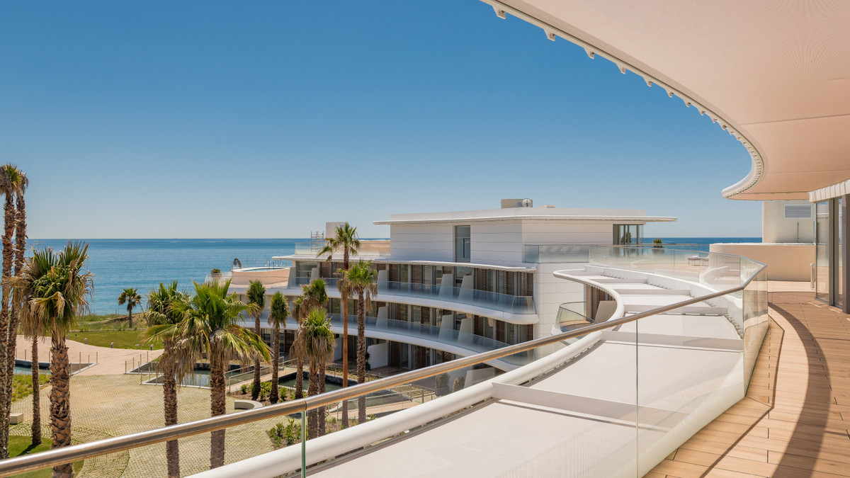 Apartments in Estepona R3393289