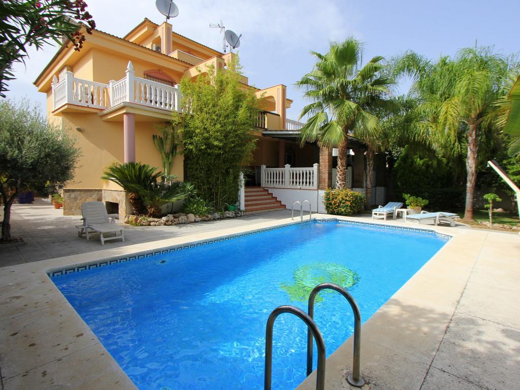 Detached Villa in Playamar