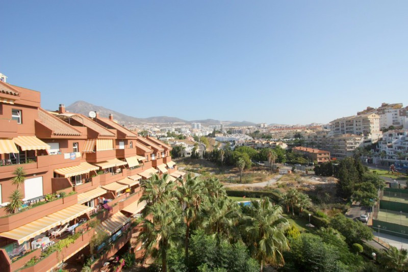 LOCATION!!!  Walking distance from  to the beach , arroyo de la miel, PARQUE DE LA PALOMA and all am,Spain