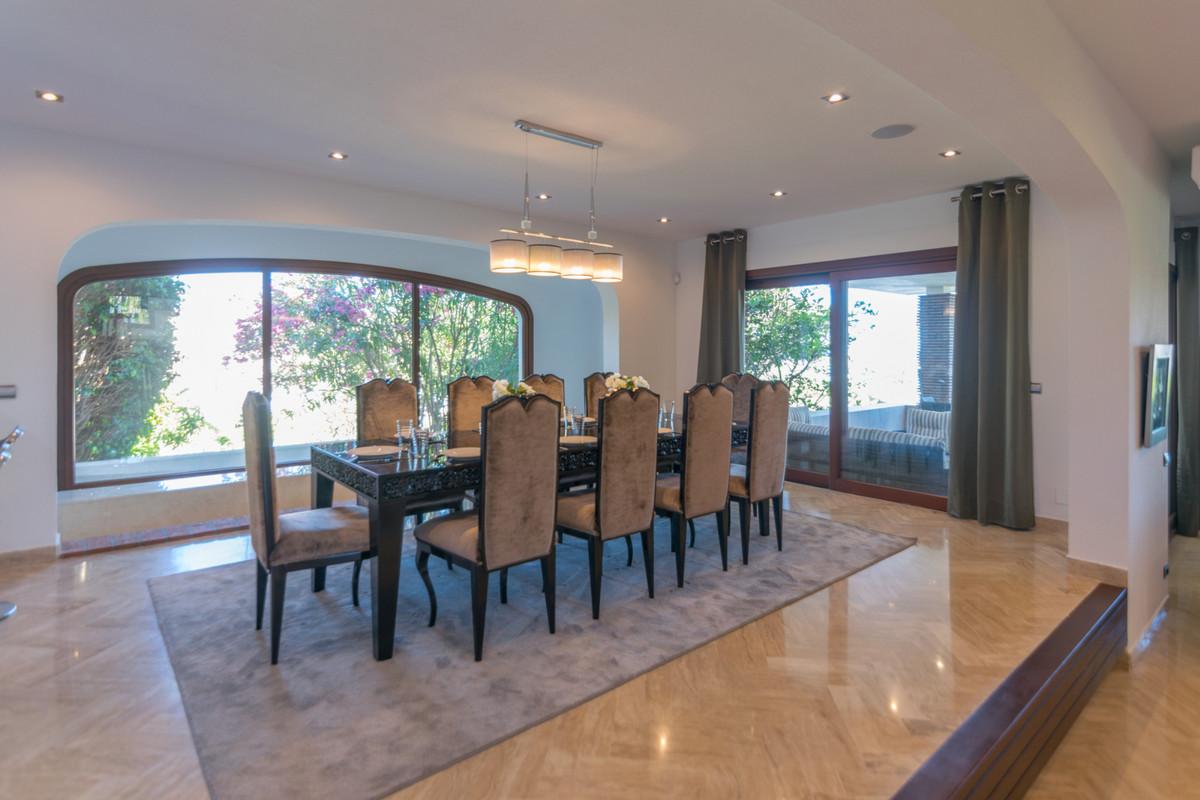 Villa te koop in Nueva Andalucía R3445054