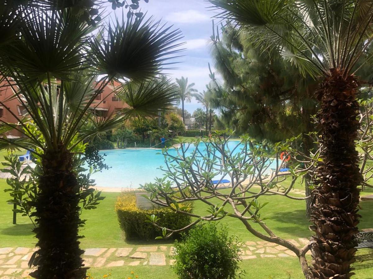 Apartment  Ground Floor for rent  in Guadalmina Baja