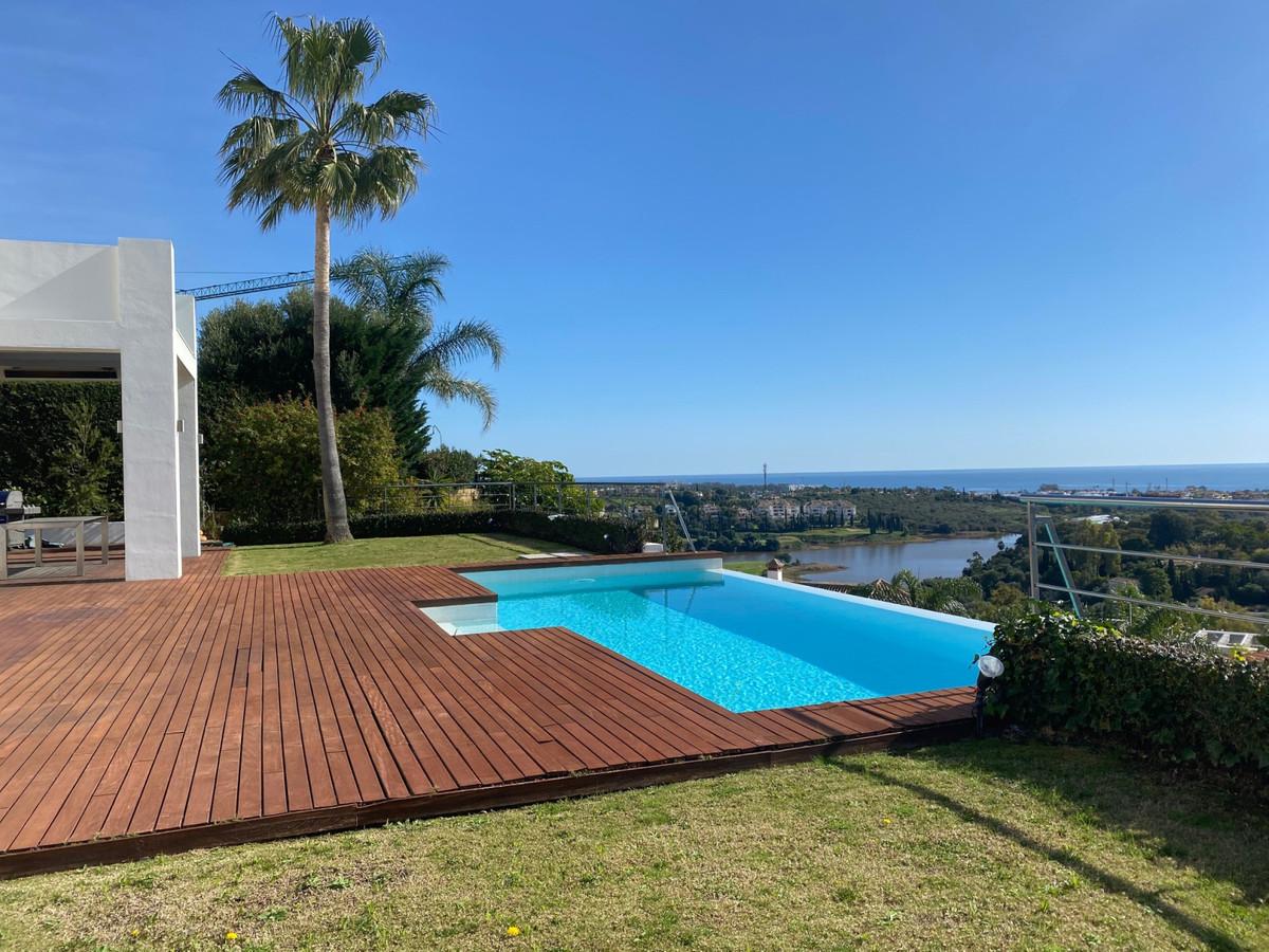 Detached Villa for sale in Los Flamingos R3586339