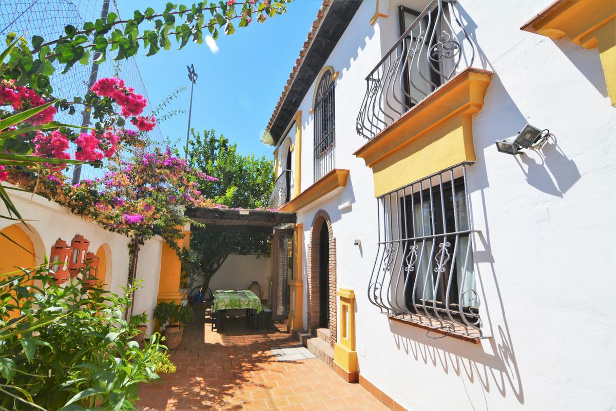 6 bedroom townhouse for sale fuengirola