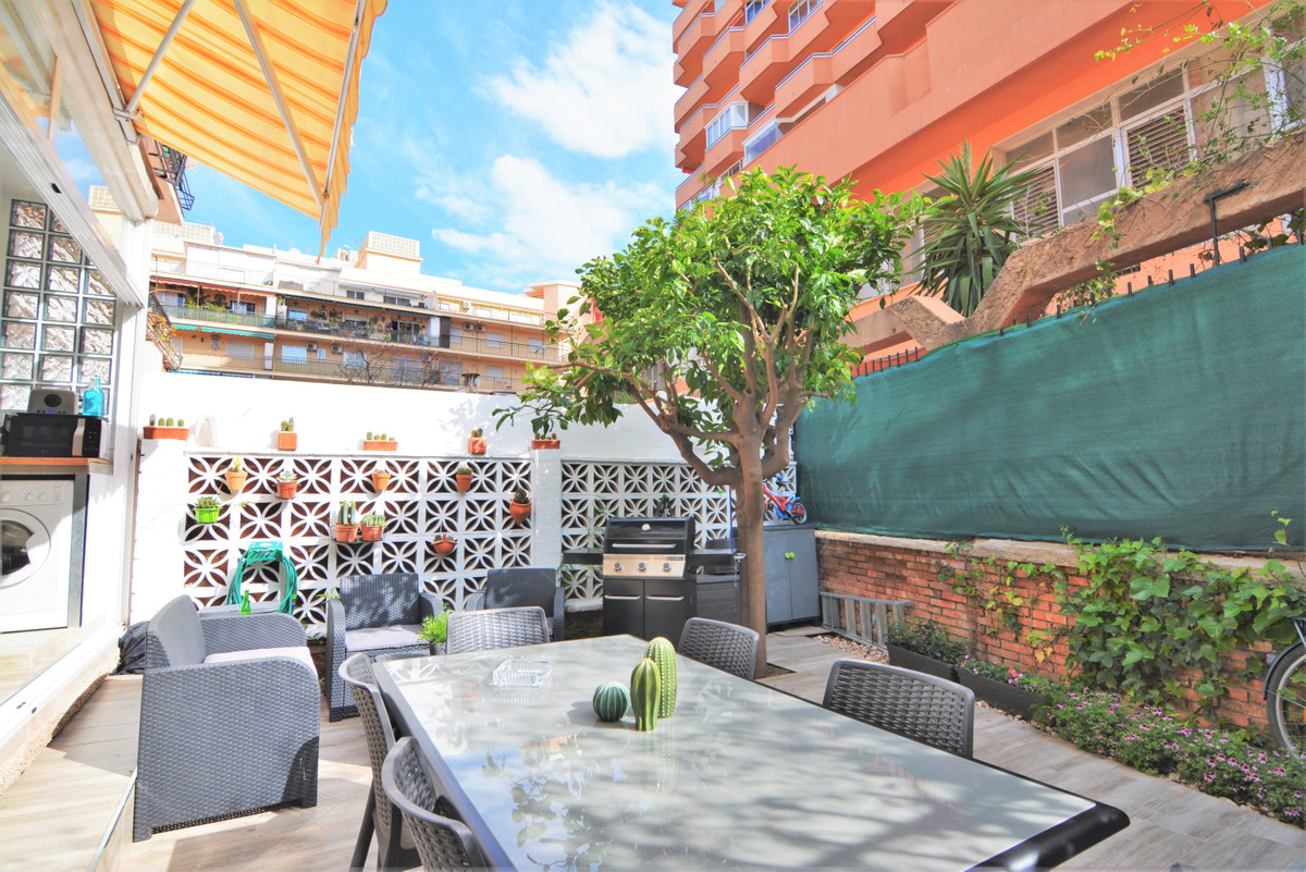 Nice apartment, in the heart of Los Boliches a few steps from the beach. Unbeatable area, close to a,Spain