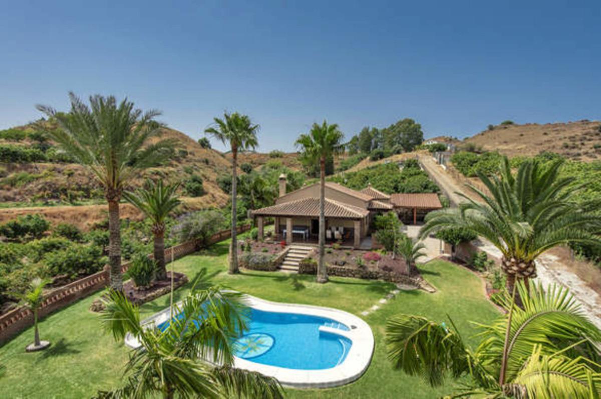 Detached Villa for sale in Mijas R3712325