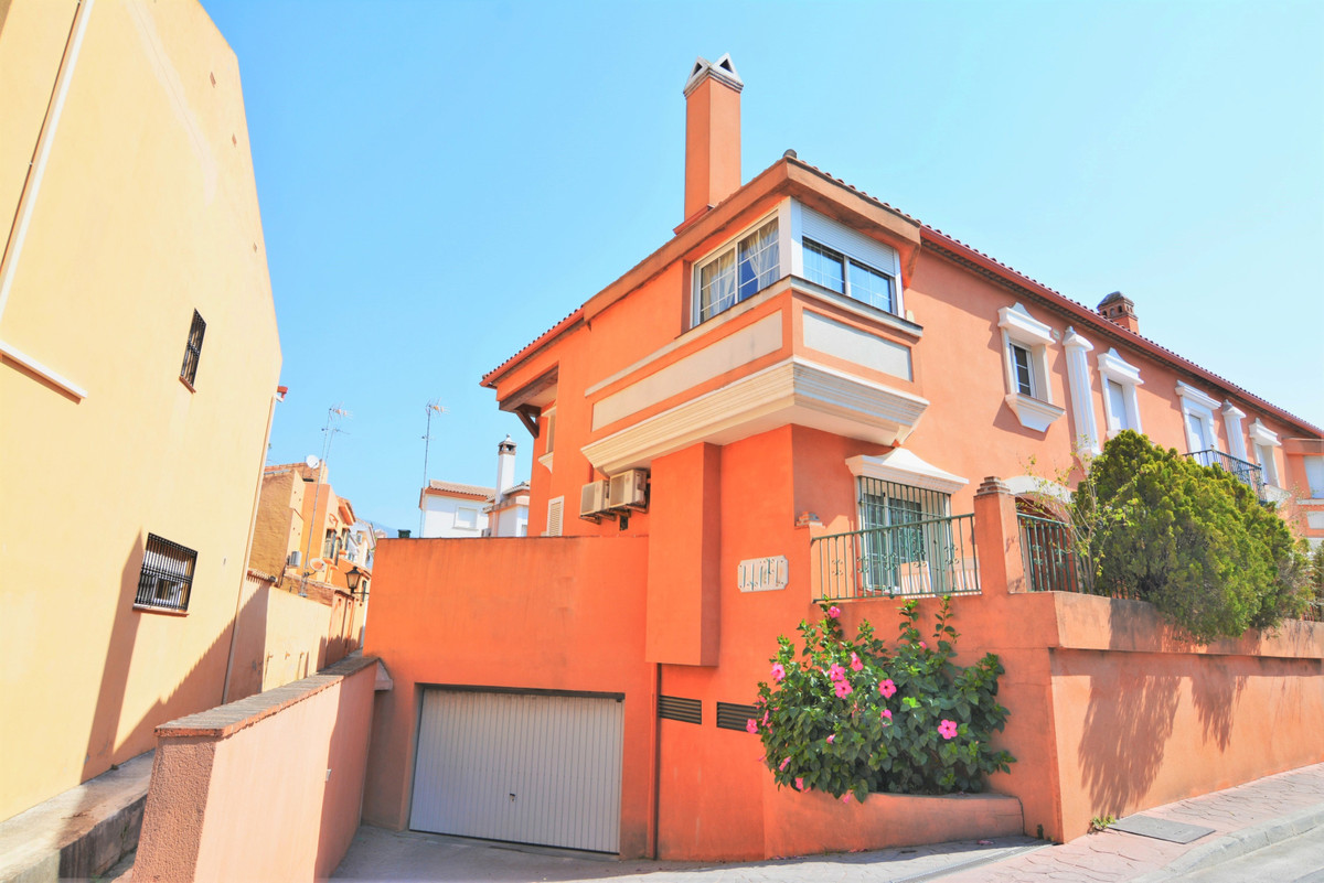 Semi-Detached House for sale in Fuengirola R3893098