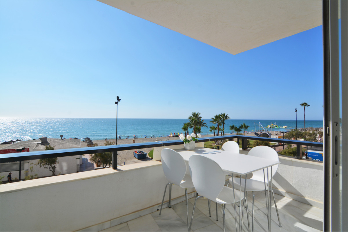 Middle Floor Apartment for sale in Fuengirola R3573787