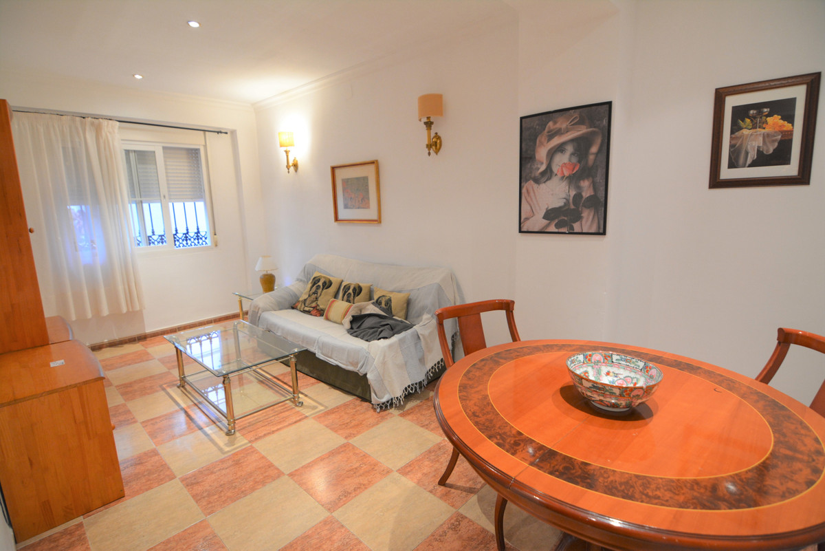Ground floor apartment in the center of Los Boliches next to the Church of the Virgin,(church square,Spain