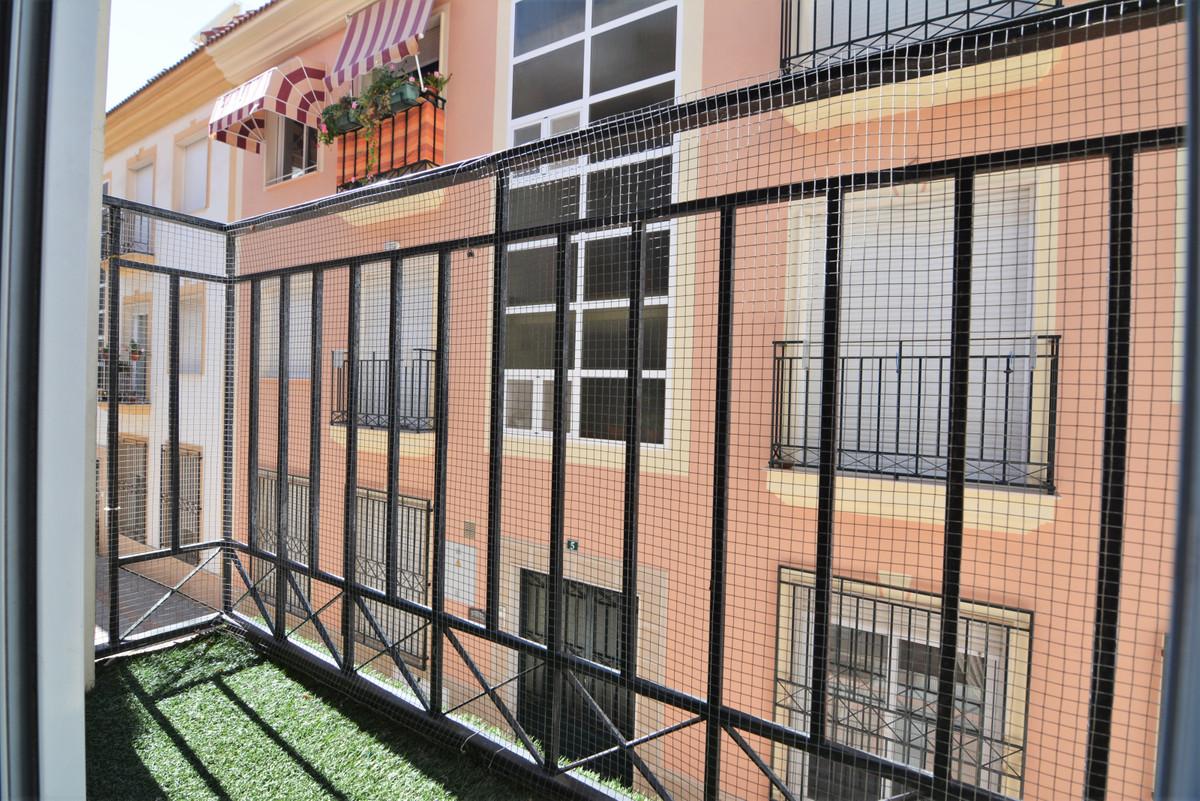 Apartment Middle Floor Fuengirola Málaga Costa del Sol R3628490 3