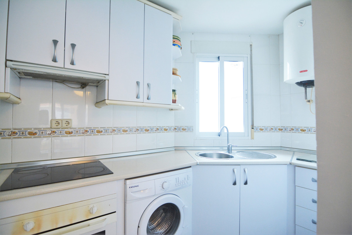 Apartment Middle Floor Fuengirola Málaga Costa del Sol R3628490 9