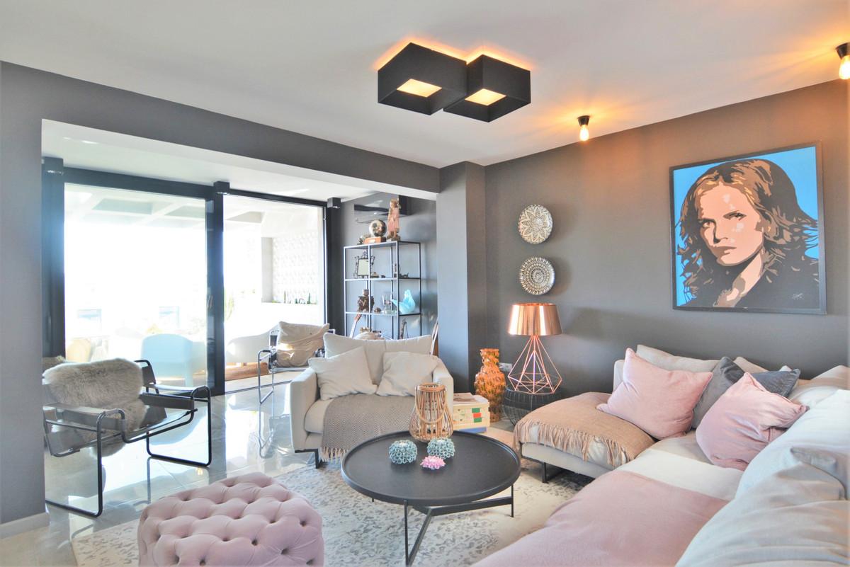 Apartamento 5 Dormitorios en Venta Fuengirola