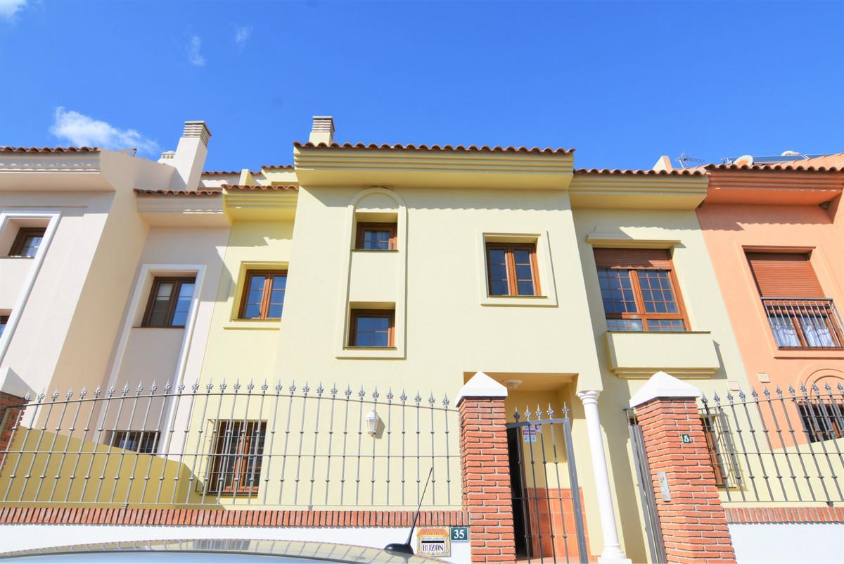 Unifamiliar 4 Dormitorios en Venta Fuengirola