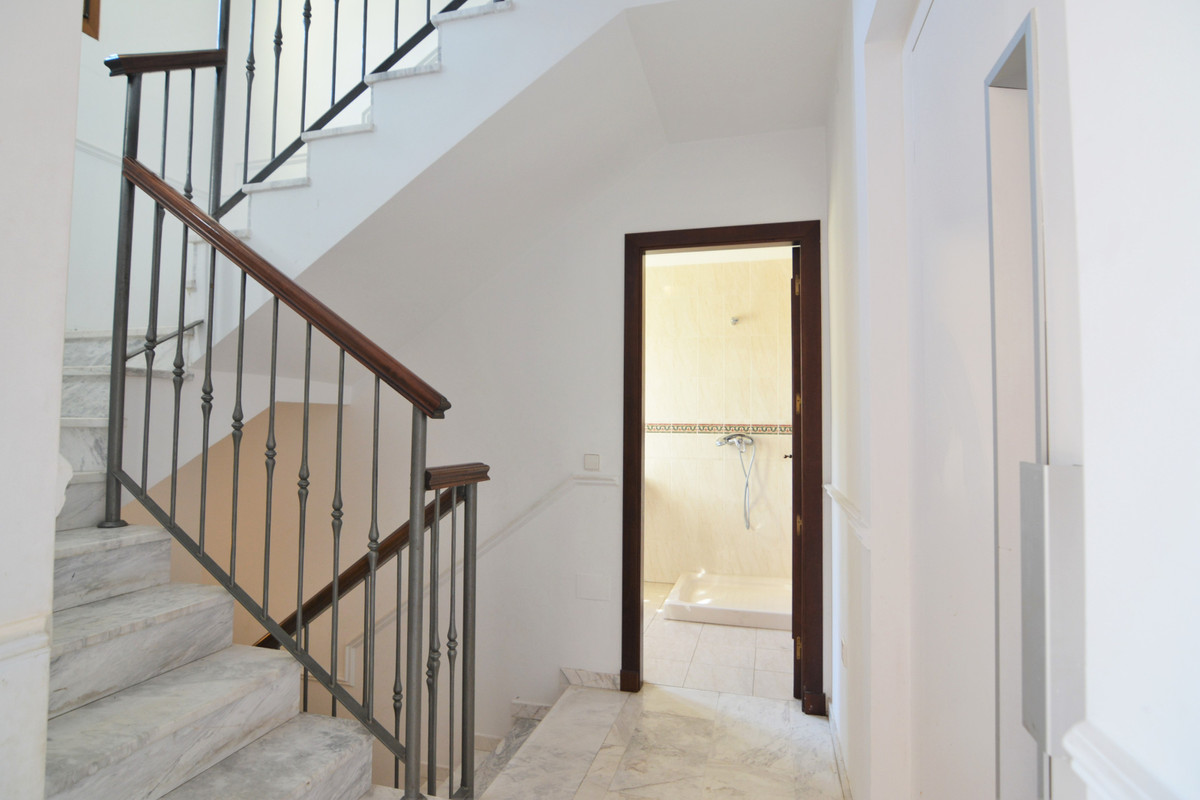 House in Fuengirola R3466369 12