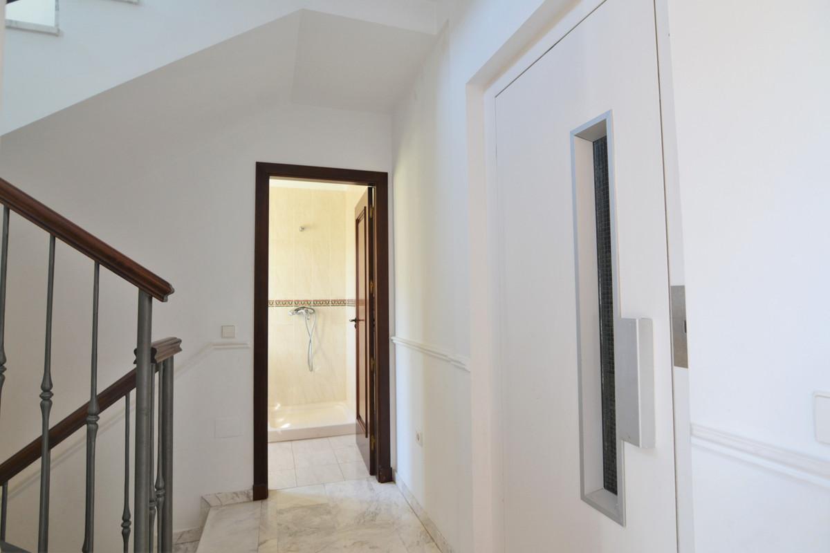 House in Fuengirola R3466369 13