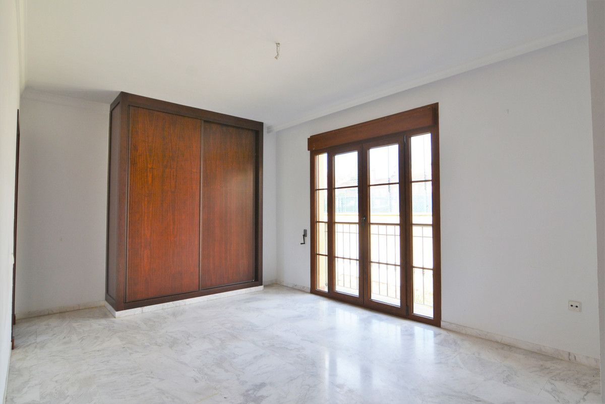 House in Fuengirola R3466369 14
